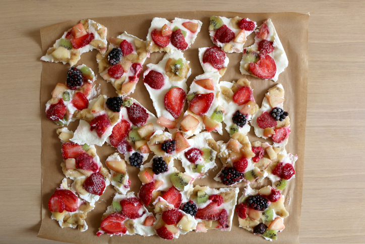 Frozen Yoghurt Bark with Fresh Fruit