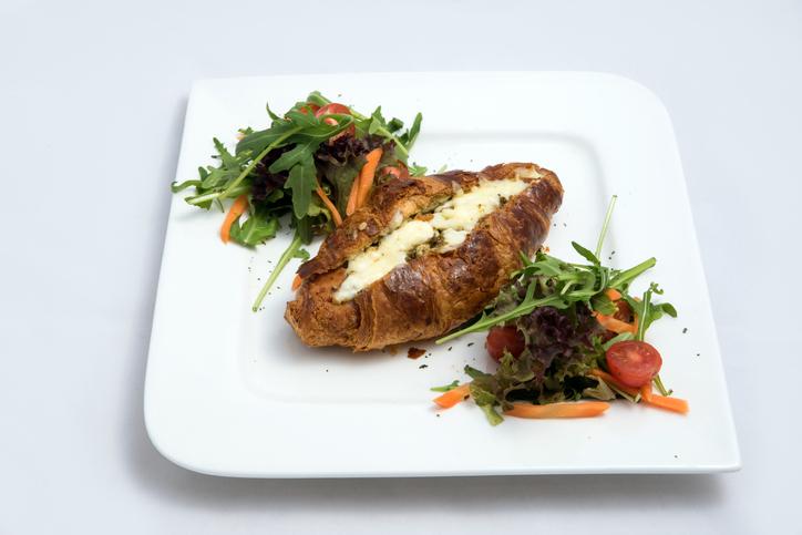 Feta and mashed avocado croissant
