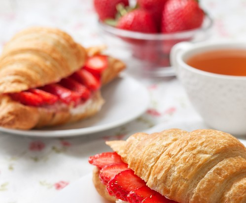 Croissants filled with strawberries and mascarpone cheese