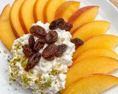 Cottage Cheese and Peaches